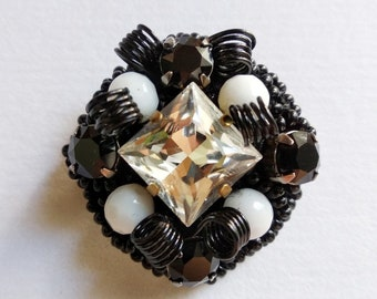 Brooch of Agate and Swarovski stones