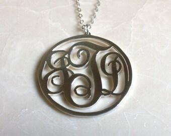 3 collar monograma inicial, Monograma grande, collar personalizado de vid, regalo de Navidad collar personalizado de plata