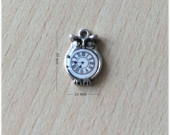 the little OWL with the clock the charms in silver