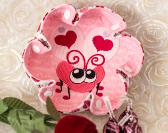 """Valentine Embroidered """"LOVE BUG"""" on Pink """"Be My Valentine"""" print Katch-All Small Ruffle Hex"""