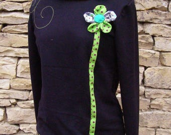 Chihiro sweatshirt in black and apple green and flower