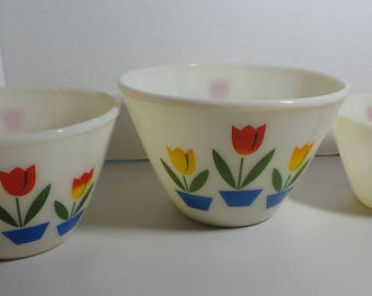 Set of 3 Vintage Fire King Nesting Bowls - Tulip Pattern Nice Condition