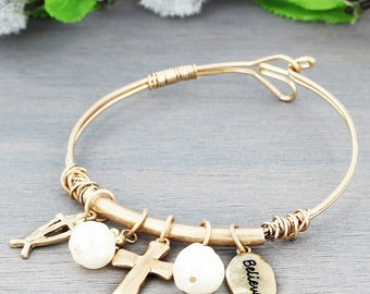 Cross and Pearl charm wire bracelet
