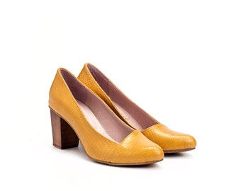 Women's Shoes, Pumps Shoes, Yellow Shoes, Heels, Elegant Shoes, High Heel Shoes, Leather Pumps, Chunky Heels, Snakeskin Shoes, Evening Shoes
