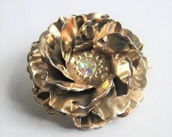 Vintage gold flower brooch.  Metal flower brooch