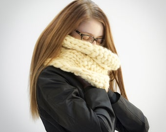 Handmade 100% merino wool scarf