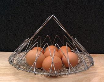 Retro hanging basket / farmhouse egg basket / hanging egg basket / mesh basket / egg basket / collapsible egg basket