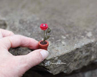Miniature Crochet Potted Flower Poppy, Dollhouse Fake Plant Decor, Mini Gift Remembrance Day Symbol, Wild Field Flower Desk Mini Fairy Decor