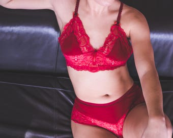 All Lingerie bra and panties/shorty lace of calais and Rosella red cotton jersey