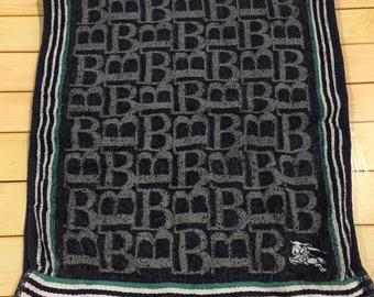 Burberry london sports towel