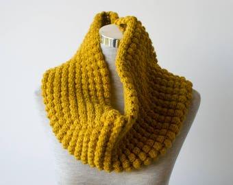 TRILBY BOBBLE COWL | modern chunky crochet bobble cowl