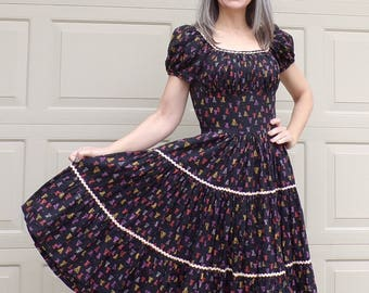 TIPI NOVELTY PRINT vintage patio dress teepee tiered circle skirt 1950's 50's S (A7)