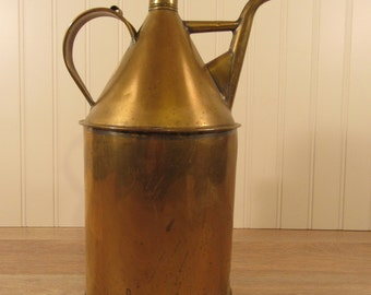 Reduced...Old brass oiler with handle and spout- beautiful, some wear, top handle and spout, beautiful, solid, no holes