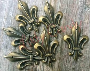 4 Fleur de lis metal #120060 Scrapbooking embellishment