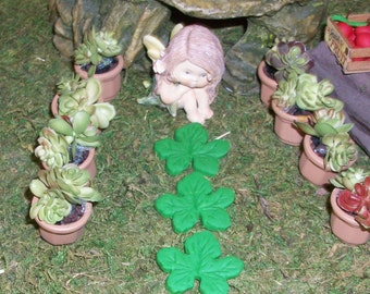 miniature leaf stepping stones set of 3 Fairy or gnome gardens
