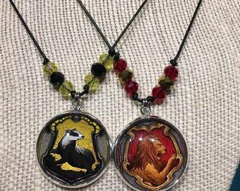 Beaded accent Hogwarts House necklace - smooth bezel