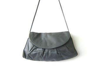 90s Gray Leather Purse with Crossbody Strap Envelope Clutch Purse Preppy Vintage Simple Cross Body Purse