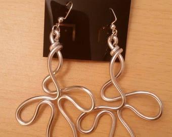 Handgemaakte aluminium oorbellen - Item 549