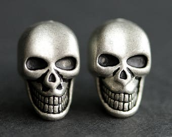 Aged Silver Skull Earrings. Antiqued Silver Earrings. Scary Skull Halloween Earrings. Post Earrings. Stud Earrings. Halloween Jewelry.
