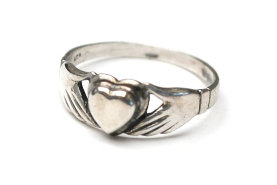Sterling Silver Claddagh Ring  - size 8 1/2 -  Celtic - hand holding heart ring