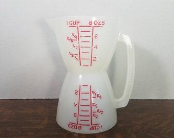Vintage Tupperware Red Lettering Wet/Dry Measuring Cup 860