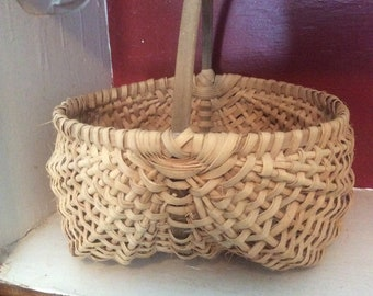 Vintage Egg Basket, handcrafted, Buttock style with handle, 1980's, appalachian art, folk art