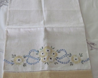 """Vintage Large Linen Towel With Golden Border Edges Decorative Floral Embroidery Work Pattern  17"""" by 30"""""""