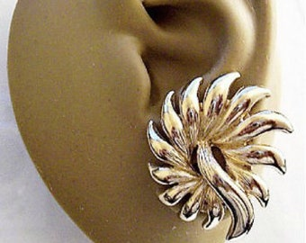 Monet Flower Spray Clip On Earrings Gold Tone Vintage Patented Curved Thick Pointy Prong Long Center Swirl Accent Comfort Paddles