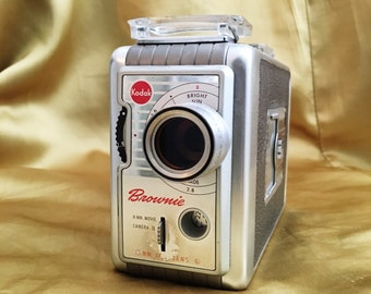 1959 Brownie Movie Camera, Model 2 f/1.9
