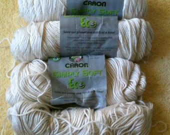 Lot of Caron Simply Soft Acrylic Polyester Yarn 4 Ply Natural 5 Ounces per Skein 12.85 Ounces About 2 1/2 Skeins Crochet Yarn Knitting Yarn