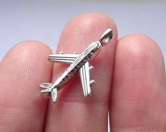 8 Airplane Charms Antique Silver - SC1177