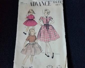1954 Advance Girls Dress Pattern 6642