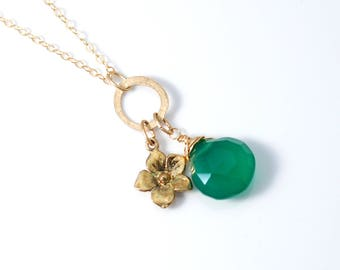 Gold May Birthstone necklace | Gold and Green necklace | Green Onyx necklace | Gold Flower necklace | May Birthday Gift | Floral necklace