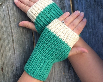 Fingerless gloves, Knit Gloves, Hand Warmers, Texting Gloves, green