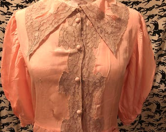Vintage 1930s 1940s Peach Peignoir Peach Satin Silk Robe Dressing Gown with Ivory Lace Detail AS IS Old Hollywood Glam Boho Costume Project