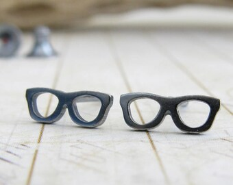 Kleine Gläser Ohrstecker. Sterling Silber oder 14 Karat gold Beiträge. Nerd-Geek-Schmuck. Miniatur-Brille.  Minimalistische Geschenk für sie.