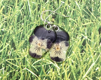 Mother's Day, Gardener Gift, Nature Lover, Johnny Jumpup. Viola, Pansy, pressed flower, Botanical jewelry, Real tiny pressed Pansy earrings