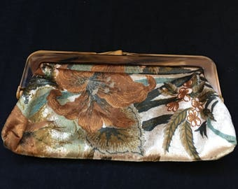 Vintage Cloth clutch/purse with Bakelite handle