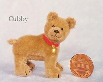 Kleines Cub - Miniatur-Teddy-Bär-Kit - Muster - von Emily Landwirt