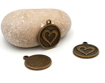 20 Bronze 21x18mm engraved heart charms