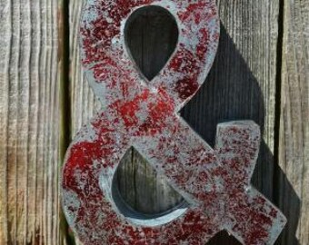 Medium vintage style 3D red ampersand & symbol