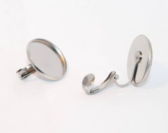 Stainless Steel cabochon pad on hypoallergenic ear clips 18mm