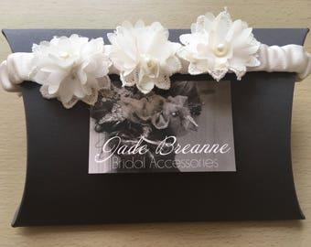 Ivory Floral Detailed Bridal Garter