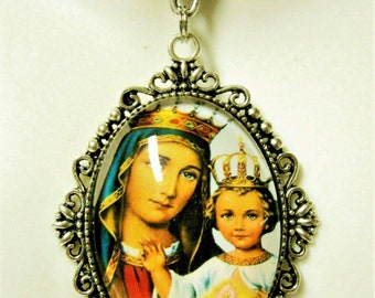 Our Lady of the Sacred Heart pendant and chain - AP09-006