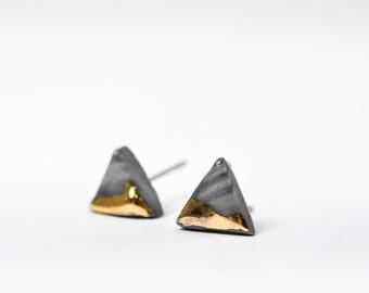 Marmor, Ohrringe, Herren Ohrringe, Dreieck Ohrringe, Keramik, Porzellanschmuck, Porzellan Ohrringe, Ohrstecker, Ohrringe