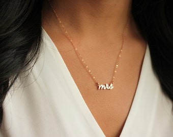 Mrs Necklace, Rose Gold Mrs Necklace, Bridal Shower Gift, Bridal Jewelry, Wedding Jewelry