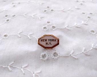 NEW YORK NY Pin vintage gold tone small pin