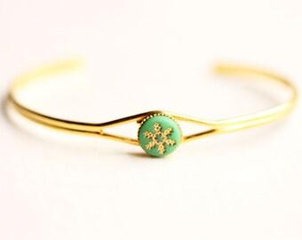 Green Starburst Cuff Bracelet