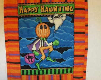 HALLOWEEN,  Happy Haunting, Mini QUILT, Wall Art, Home Decor, Holiday Decor, Hostess Gift, Gift for Children