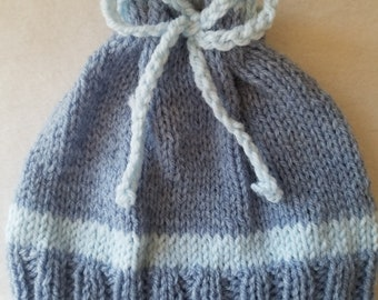 Hat child's hand knitted